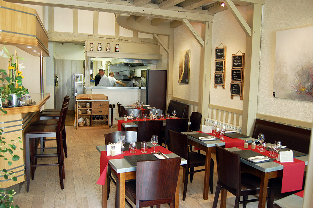 restaurant la petite auberge la rochelle. Black Bedroom Furniture Sets. Home Design Ideas