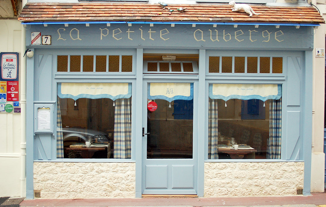 restaurant la petite auberge trouville sur mer. Black Bedroom Furniture Sets. Home Design Ideas